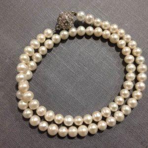 Halskette Perlen weiss