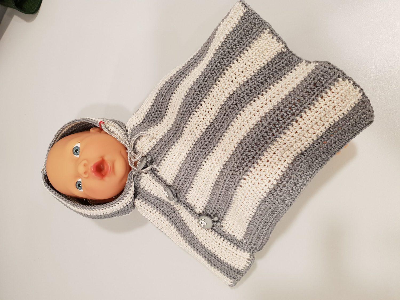 Baby-Poncho gehäkelt
