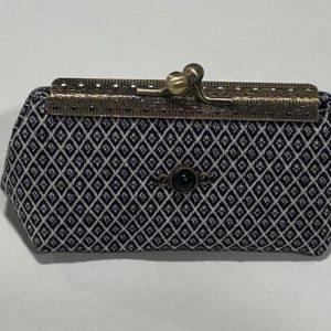 Kleine Tasche schwarz Karo
