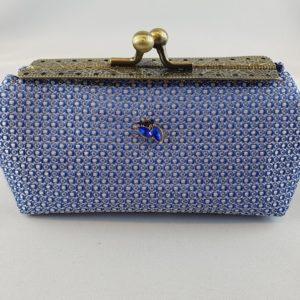 Kleine Tasche blau Muster Stein
