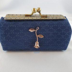 Kleine Tasche dunkelblau Rose