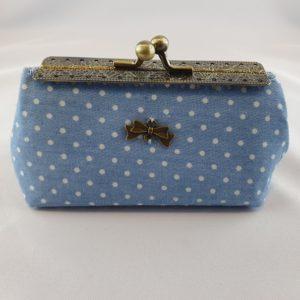 Kleine Tasche hellblau kleine Punkte