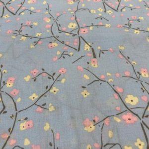 Baumwolle hellblau Blumen Ast