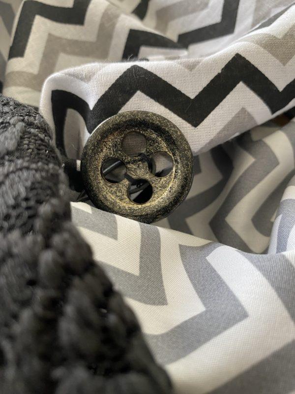Knopf-Loop Herbst grau schwarz